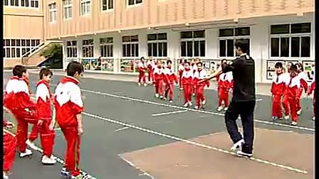 三年级原地侧面投掷轻物-体育优质课视频