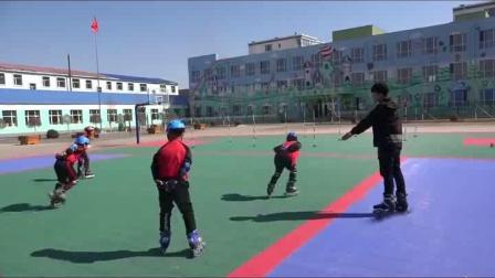 《选用教材(可替换为校本内容) 轮滑 4.发展轮滑活动能力的游戏》优质课评比视频-人教2011版小学体育五至六年级全册