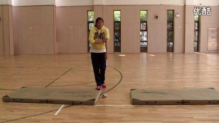 小学体育教师招考试讲模拟上课视频 后滚翻-二年级
