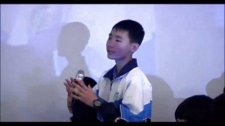 初一美术《我给同桌画漫画》教学视频-上海-白云云-2014年全国中小学美术培训示范课视频