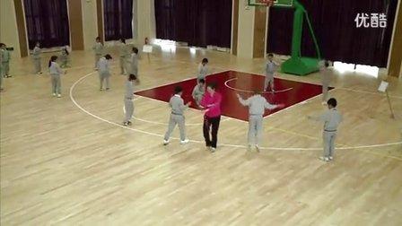 人教版小学体育一年级下册《短跳绳》教学视频