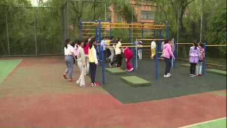 人教版体育五下《跳上成支撑―前翻下》课堂教学视频实录-王辉