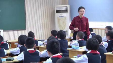 人教版数学二下《用有余数除法解决问题》课堂教学视频实录-赵薇萍