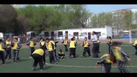 《跳绳游戏》优质课(人教版体育与健康小学二年级,马丽)
