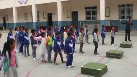 《跳跃与游戏》优质课(人教版体育与健康小学一年级,何素香)