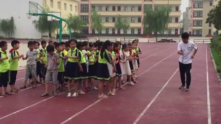 《30米快速跑》优质课(一年级体育,乔洋洋)