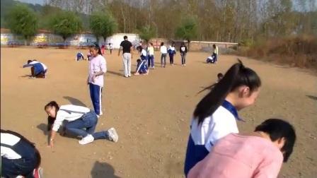 《蹲踞式起跑:蚂蚁搬家》优质课(科学版五年级体育,杨文)