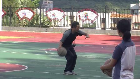 《篮球-运球突破》优质课(人教版初一体育与健康,陈万松)