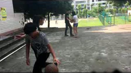 《体前变向换手运球》优质课(人教版初一体育与健康,广安市县级优课)