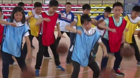 《体前变向换手运球》优质课(人教版初一体育与健康,杨文弟)