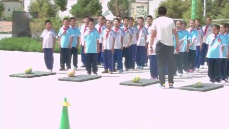 《快速跑-蹲踞式起跑》优质课(科学版五年级体育,杜学儒)