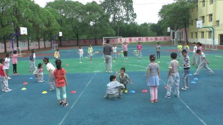 《立定跳远》科教版三年级体育,吴何敏