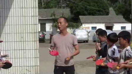 《乒乓球:颠球游戏》科学版体育六下,范秋祥