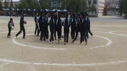 《足球-脚内侧踢球》人教版初一体育与健康,丹东市县级优课